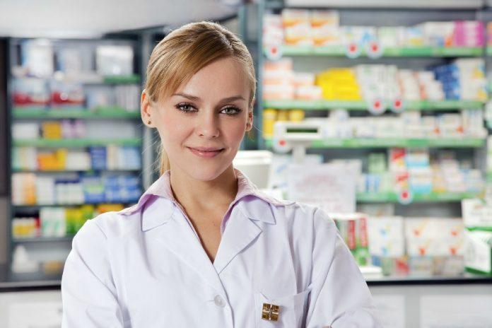 Điều kiện Liên thông Cao đẳng Dược TPHCM từ Trung cấp Hộ sinh