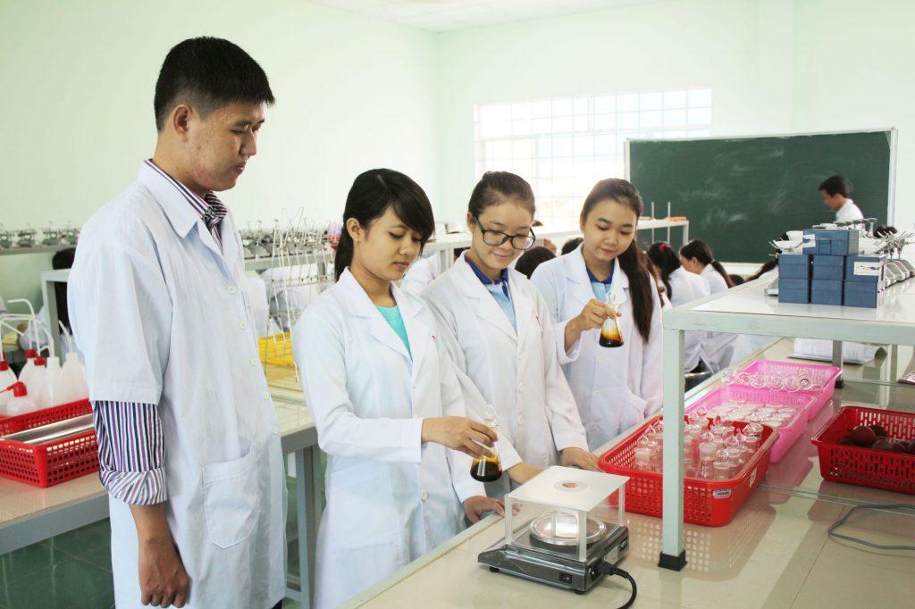 Xét nghiệm y học  không thể thiếu trong ngành Y tế.